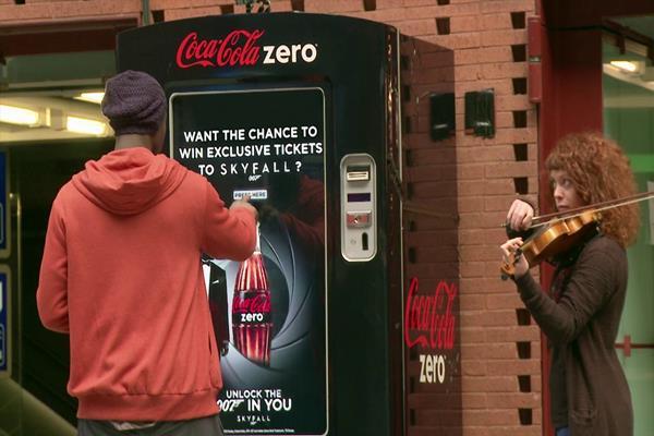 Coke Zero + 007