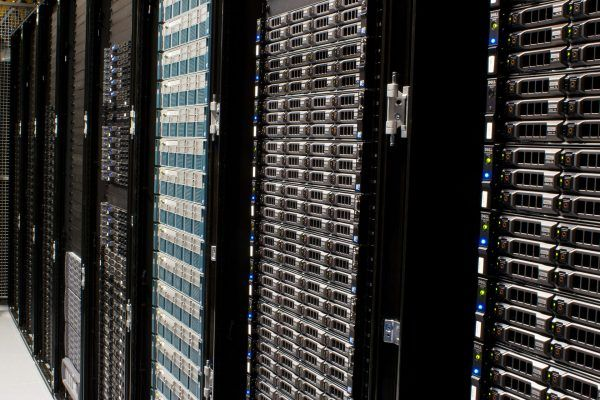 Wikimedia_Foundation_Servers-8055_08-600x400
